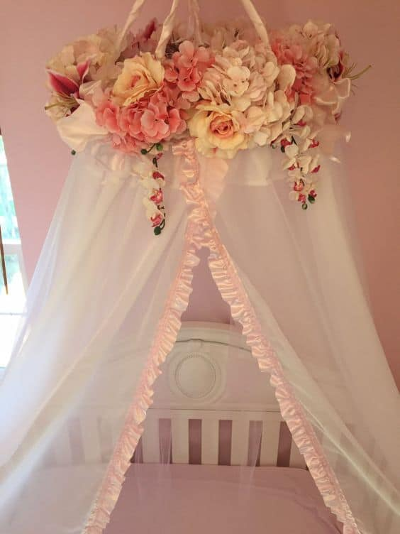 6. FLOWERS AND FRILLS FOR A BABY GIRL CRIB