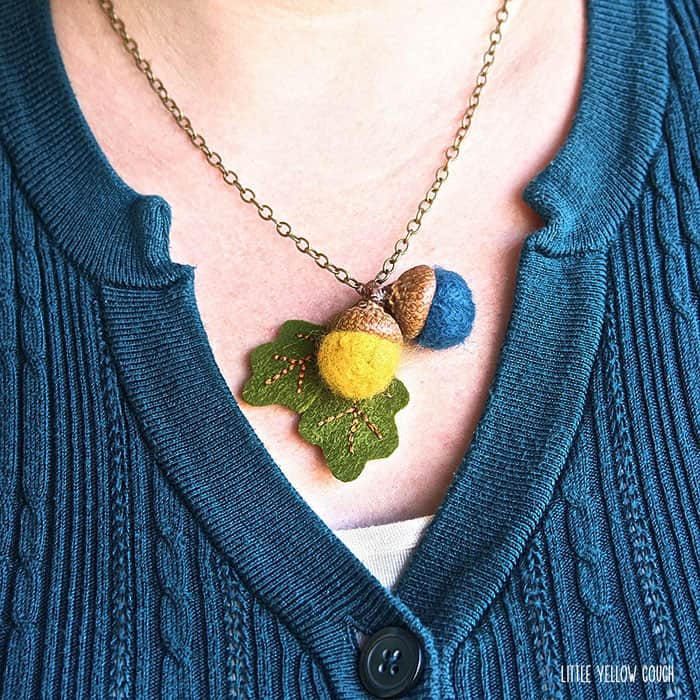 32. CREATE FALL ACORN NECKLACES