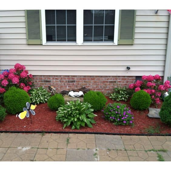 17 Small Front Yard Landscaping Ideas To Define Your Curb ... on Small Yard Landscaping Ideas id=85674