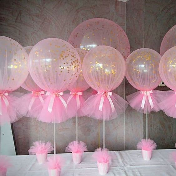 4. PINK TRANSPARENT BALLOONS AND GOLDEN CONFETTI