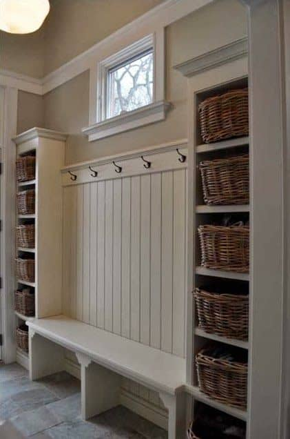 103. SIMPLE MUDROOM IDEA