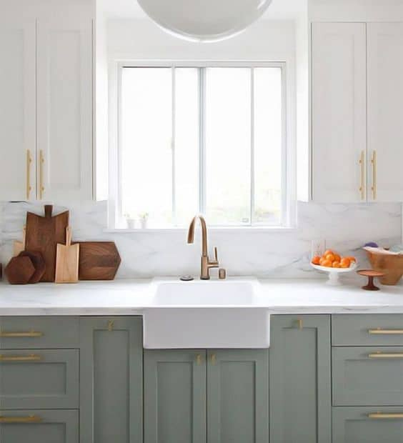 Two Tone Cabinets In Small Kitchen: Revamp Your Kitchen With These Gorgeous Two Tone Kitchen