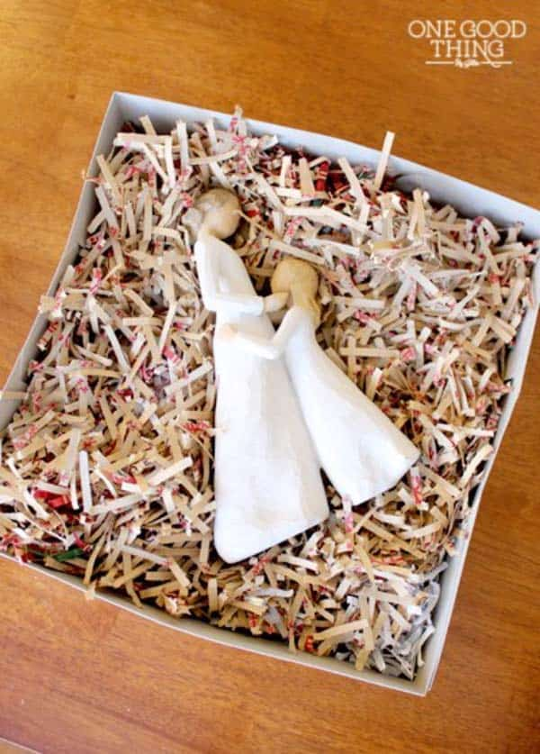 17 Epic Ways to Reuse Holiday Wrapping Paper Leftovers (3)