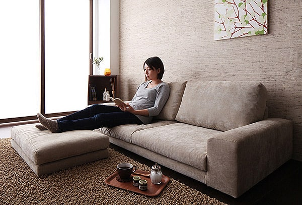 SIMPLE FLOOR SOFA WITH OTTOMAN