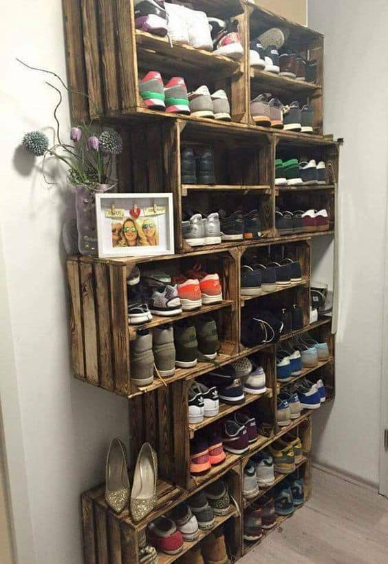 23. OUTDOOR SHOES STORAGE IDEA YOU CAN PUT ON MUDROOMS