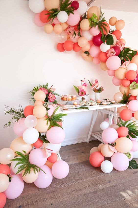 7 shape exotic decor with balloons