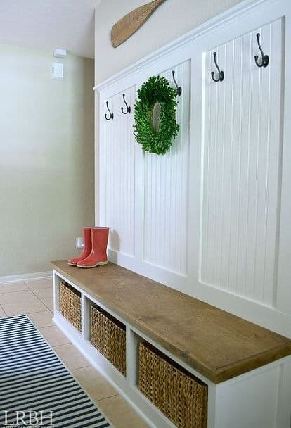 7. SIMPLE MUDROOM STORAGE IDEA