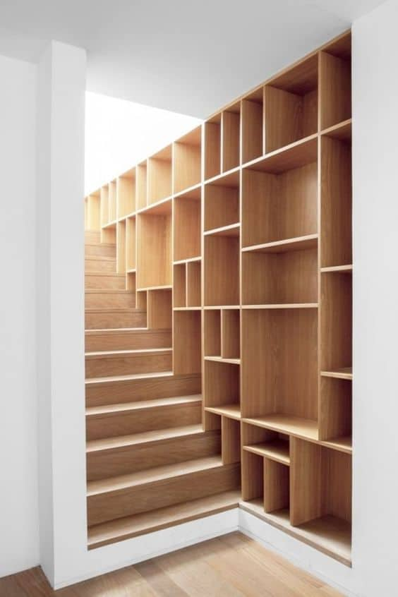 86. STAIRCASE BOOKCASE AND SHELF