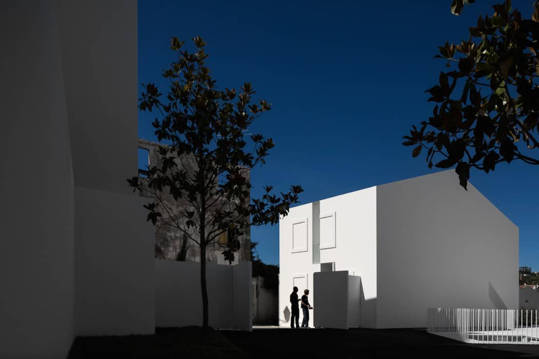 Aires Mateus Redefines a House in Portugal With White (3)