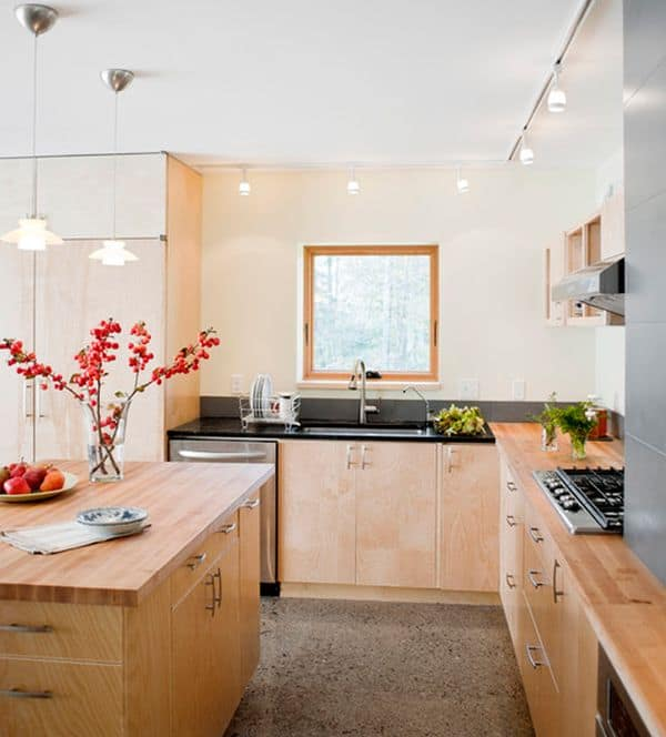 Asian-themed-kitchen-eliminates-any-possible-dull-corners-using-track-lighting