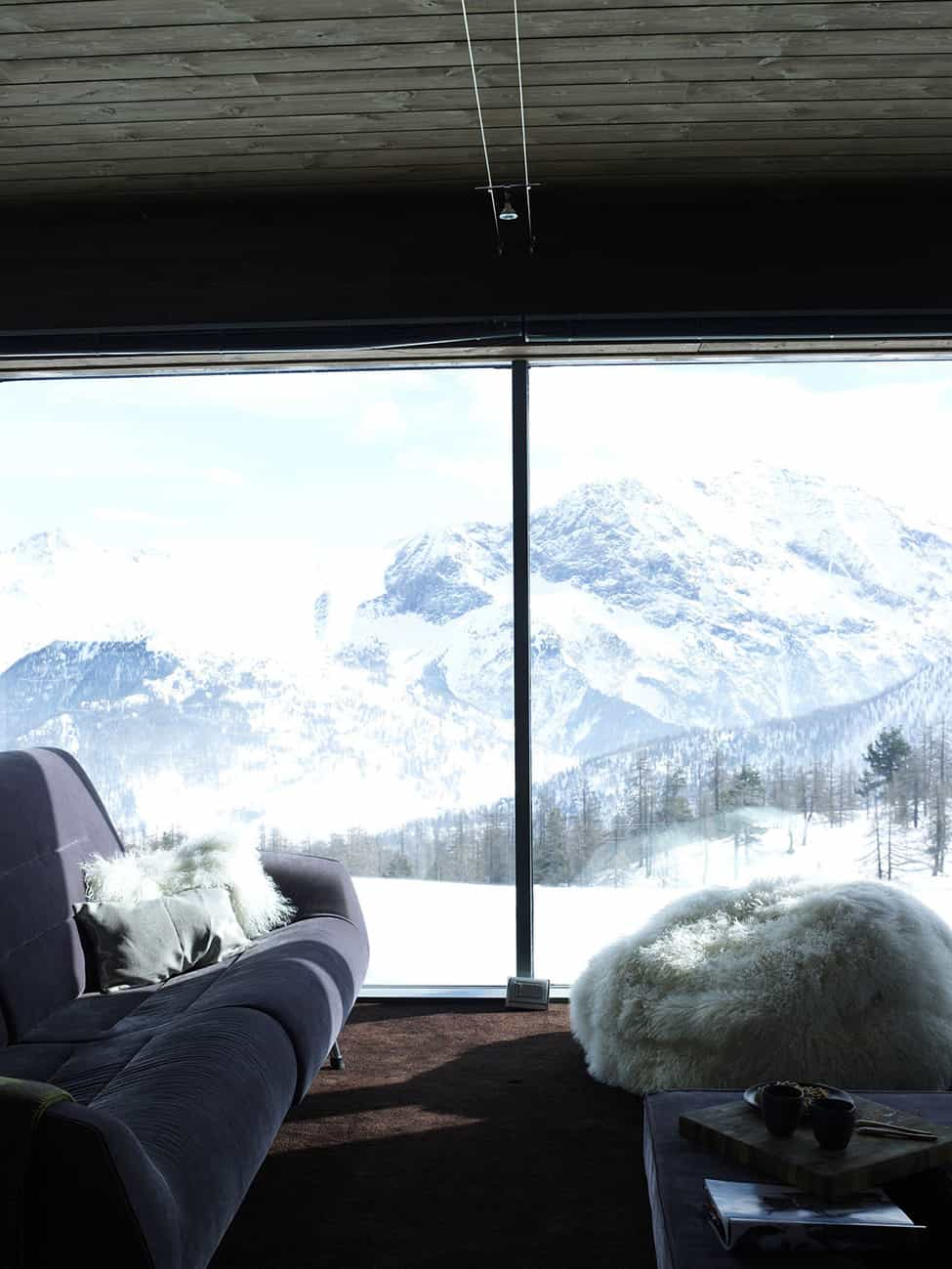 Contemporary Elegance in Solitutide - Chalet Camelot by con3studio Winter Chalet (13)