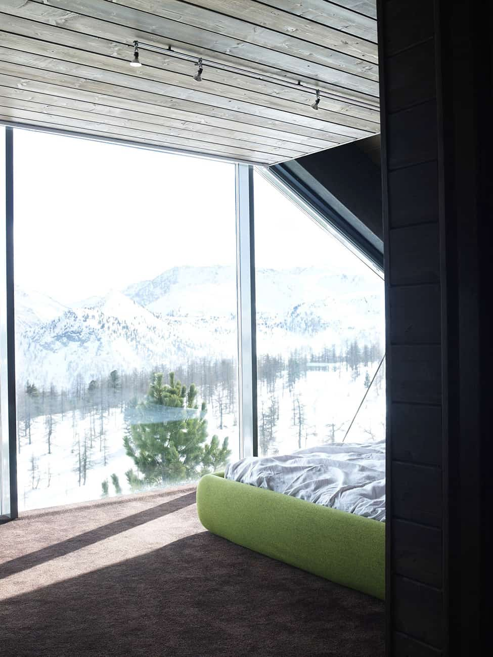 Contemporary Elegance in Solitutide - Chalet Camelot by con3studio Winter Chalet (22)