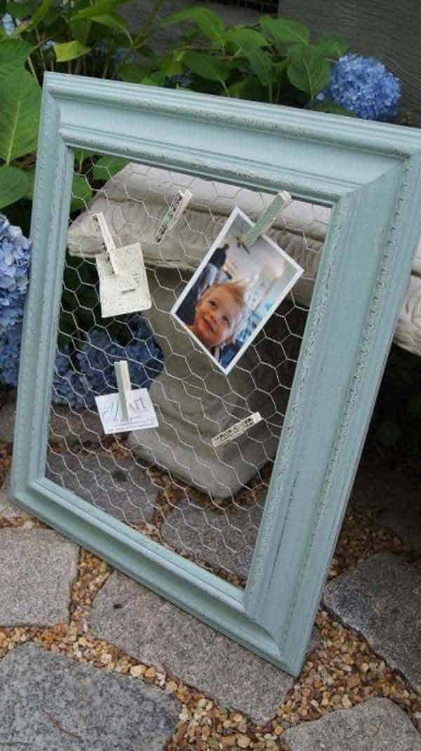 25. ORGANIZE WITH FRAMES CHICKEN WIRE AND CLOTHESPINS
