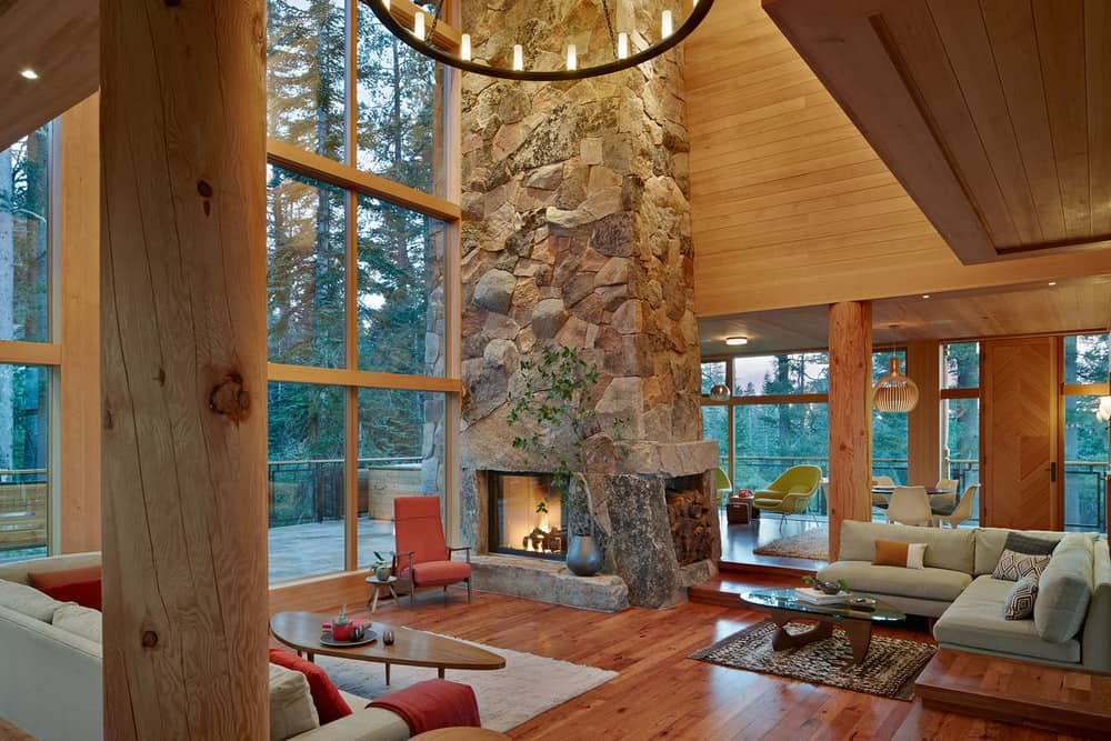 Fireplace-and-high-ceiling