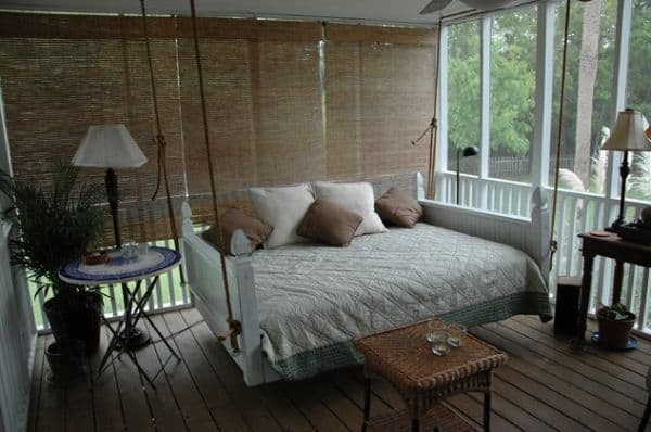 Full-size-bed-swing-adds-to-the-relaxing-atmosphere-here