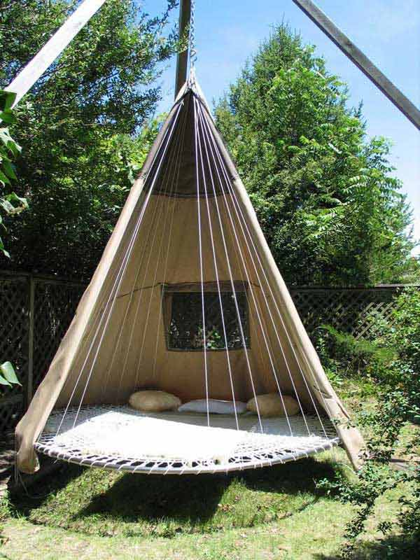 Hanging-Bed-Ideas-Summer trampoline hanging bed transformation