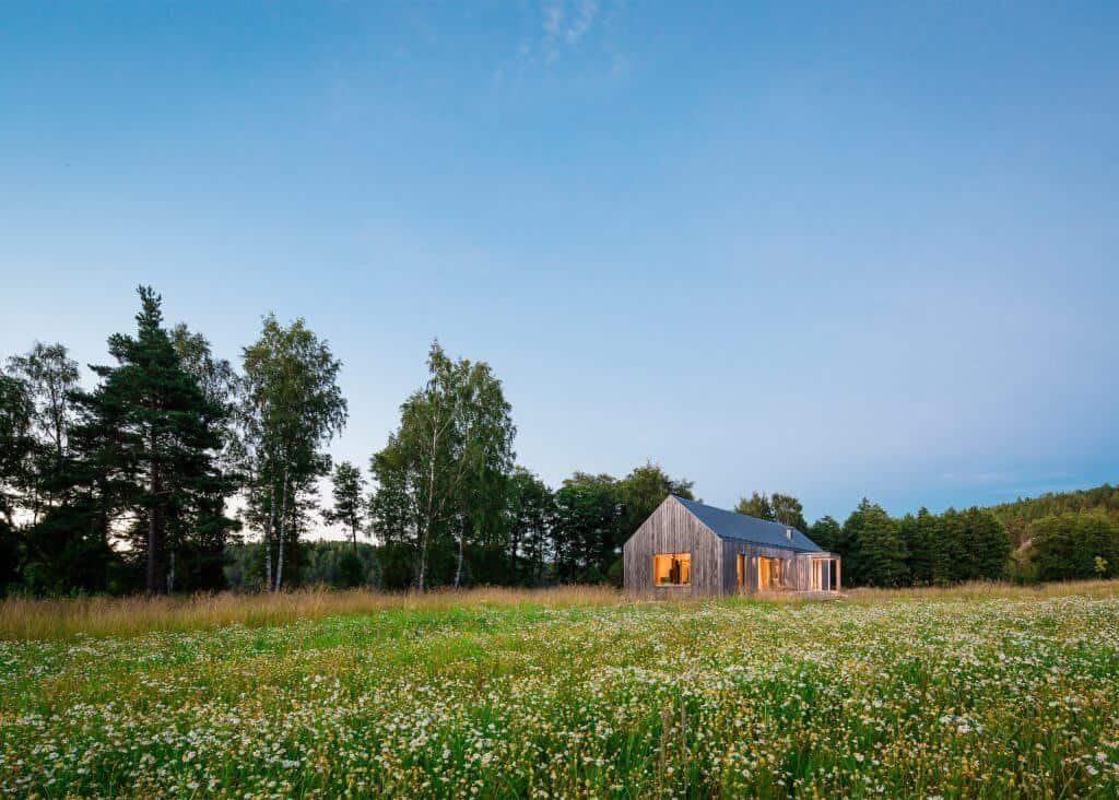 Iconic Simplicity in a Finnish LakeHouse by MNy Arkitekter 11