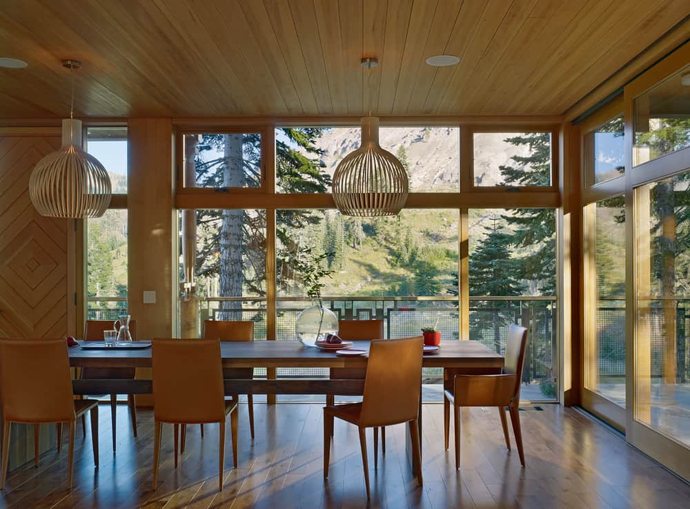 Lovely-view-dining-area