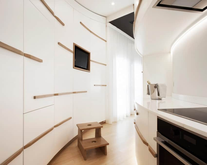 Minimalist Vacation Apartment Inside the Renaissance Walls of an Italian City (4)