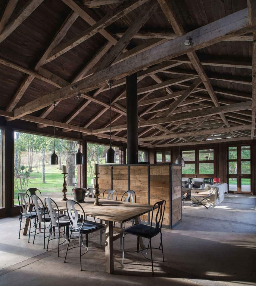 Old barn defines new rustic refuge in lago ranco chile 5