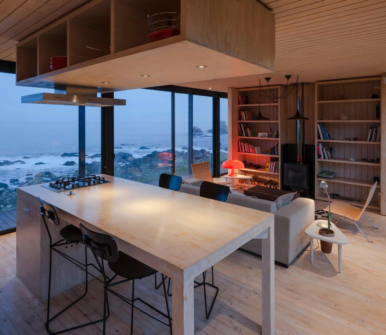 Remote Transportable Modular House in Chile by Felipe Assadi 10