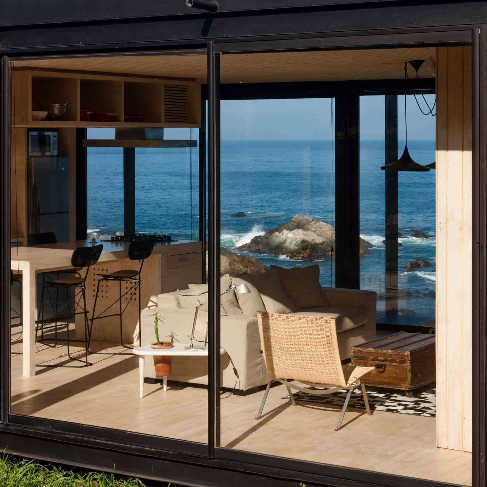 Remote Transportable Modular House in Chile by Felipe Assadi 12
