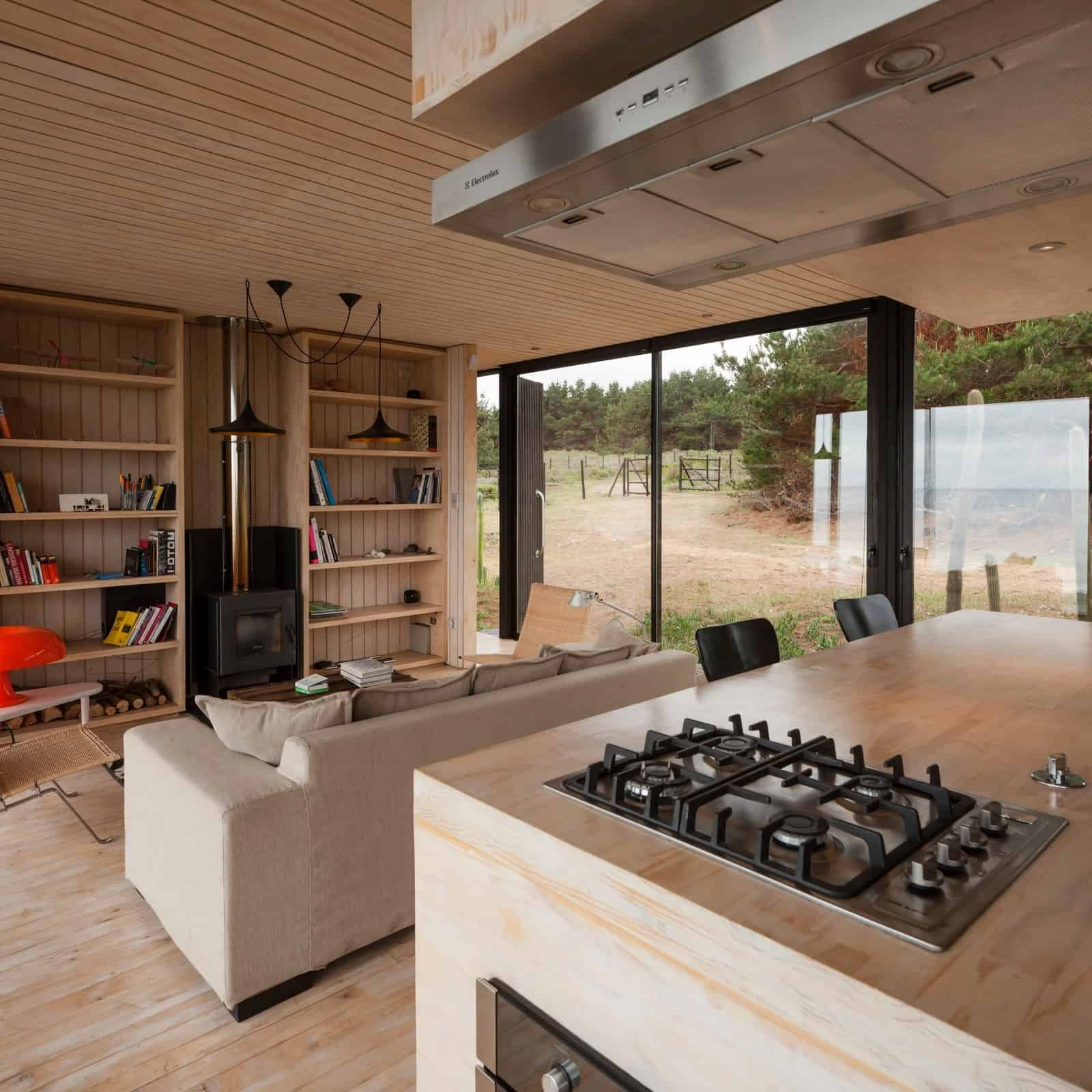 Remote Transportable Modular House in Chile by Felipe Assadi 14