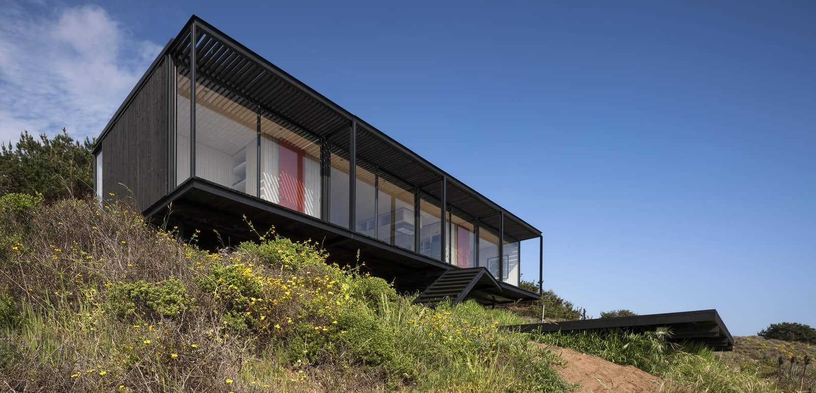 Remote Transportable Modular House in Chile by Felipe Assadi 3