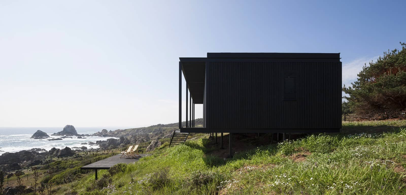 Remote Transportable Modular House in Chile by Felipe Assadi 5