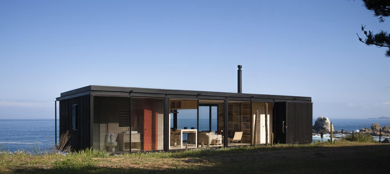 Remote Transportable Modular House in Chile by Felipe Assadi 7