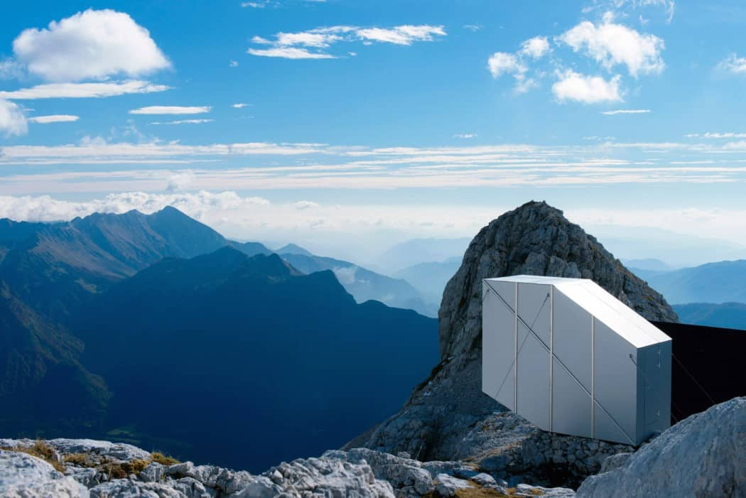 Self Contained Wooden Shell with a Cantilevered Form in Mount Kanin 4