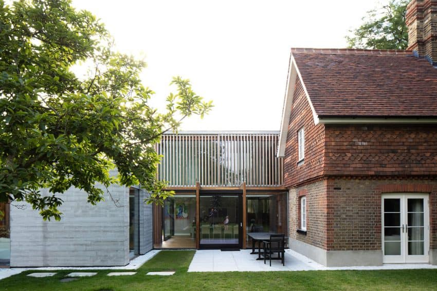 The Contemporary Extension of a Charming Cottage in England 3