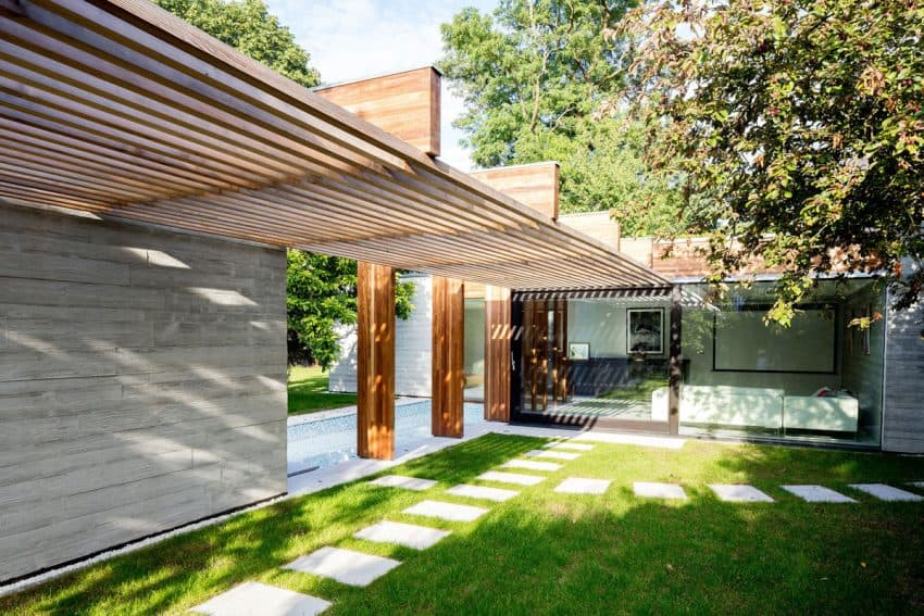 The Contemporary Extension of a Charming Cottage in England 4