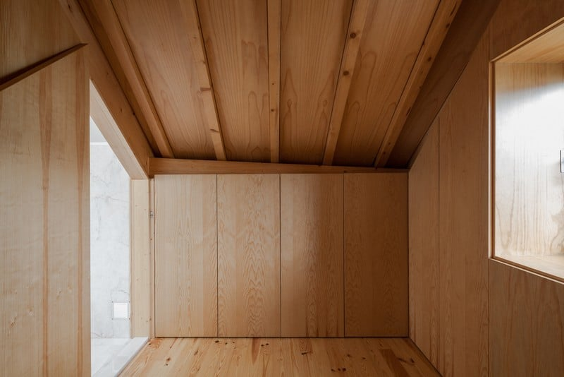 The Three Cusps Chalet - Exceptional Historical Restoration in Portugal homesthetics (14)