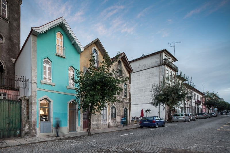 The Three Cusps Chalet - Exceptional Historical Restoration in Portugal homesthetics (3)