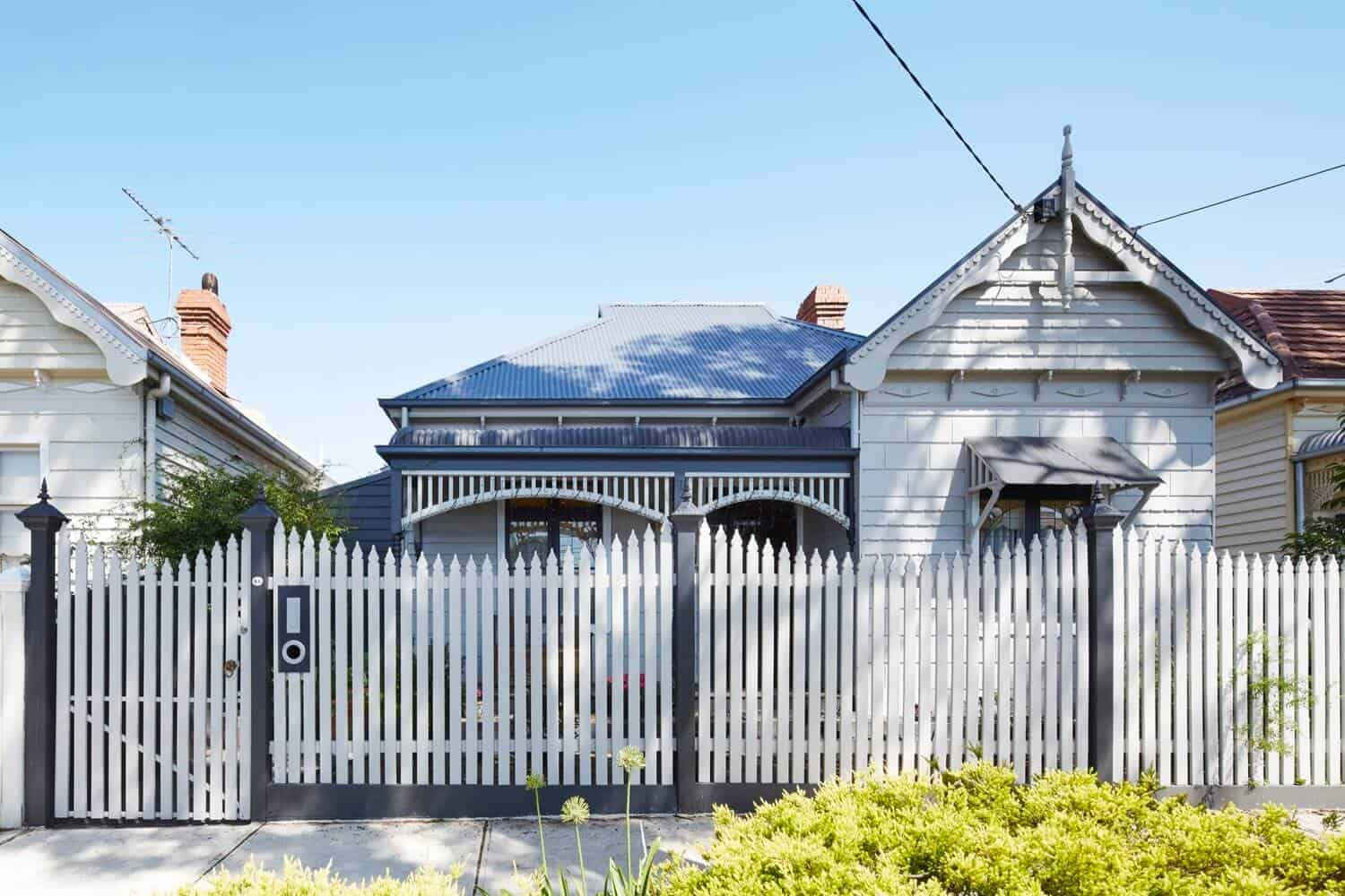 Victorian Home Updated with Modern Pod by Nic Owen Architects 4