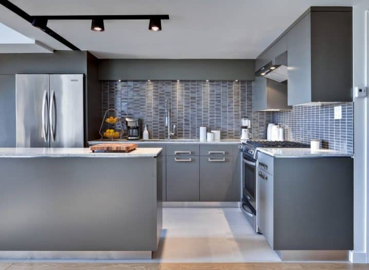 amazing-gray-kitchen-for-your-home-decor-718x525