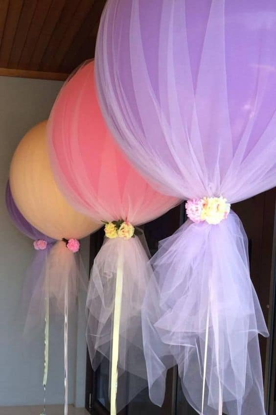 5. POPSICLE BALLOONS AND FLOWERS