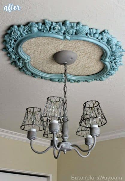 9. OLD PICTURE FRAMES CAN EMPHASIZE YOUR LIGHTING FIXTURE