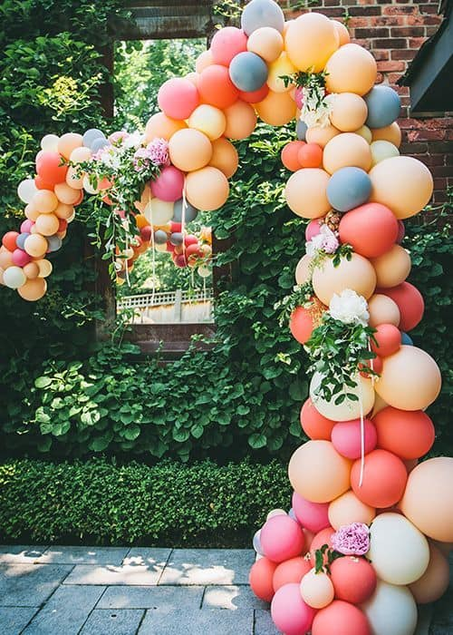 35 simply splendid diy balloon decorations for your for How to make balloon arrangements for parties