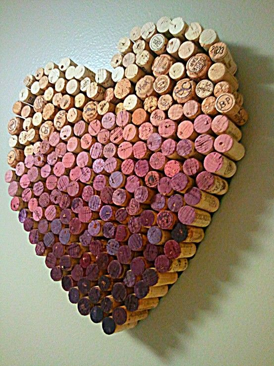 5. GRADIENT ON A HEART SHAPED WITH WINE CORKS