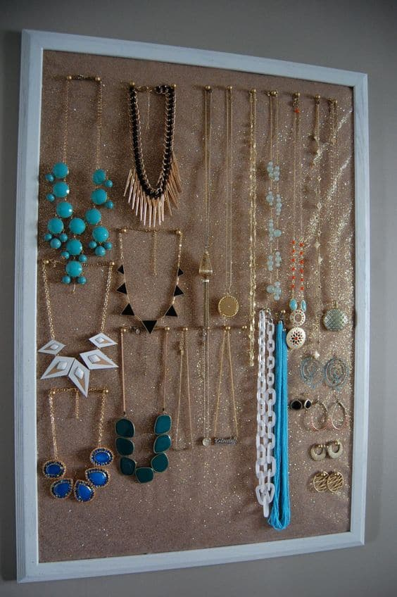 4. SMART CORK JEWELRY ORGANIZER