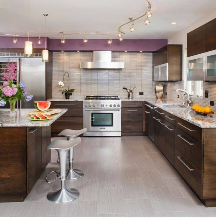 kitchen-with-modern-furniture-and-led-track-lighting-718x726