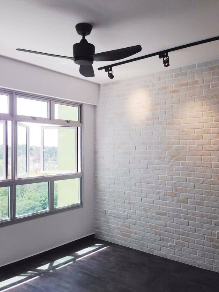 white brick walls emphasize the feeling of space
