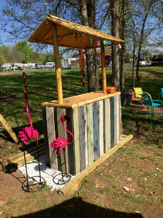 Epic Pallet Bar Ideas To Embrace For Your Event Homesthetics - Backyard tiki bar ideas