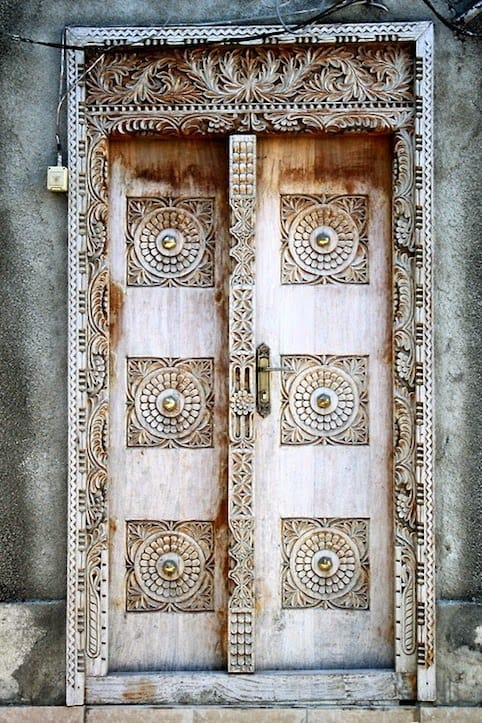 29 Splendidly Intricate Hand Carved Doors To Surge