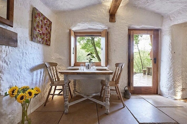 700 Year Old Cave Morphed Into Intimate Hideout homesthetics 6