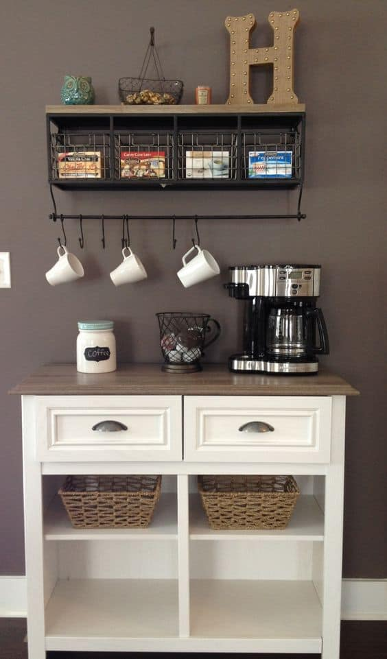 25. WIRE IN BLACK ENHANCES WOOD AND STARK WHITE