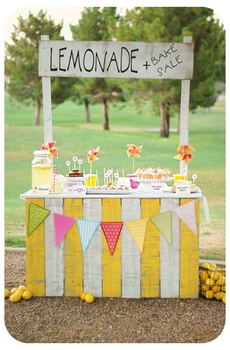 15. Yellow and white pallet stand