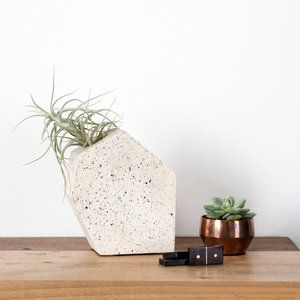 BLEND CONCRETE IN GEOMETRIC SHAPES